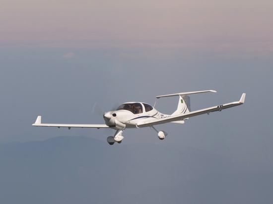 Самолет DiamondDA 40NG Бугурусланского летного училища скурсантами наборту