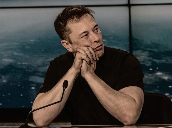 В Сети высмеяли Илона Маска, перепутавшего Марс с Луной
