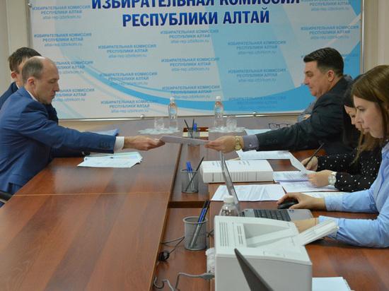 Мусорная реформа портит рейтинг кандидату на пост главы Республики Алтай Олегу Хорохордину