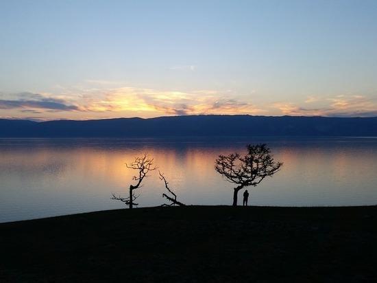 Российские ученые: вода в Байкале полностью отравлена