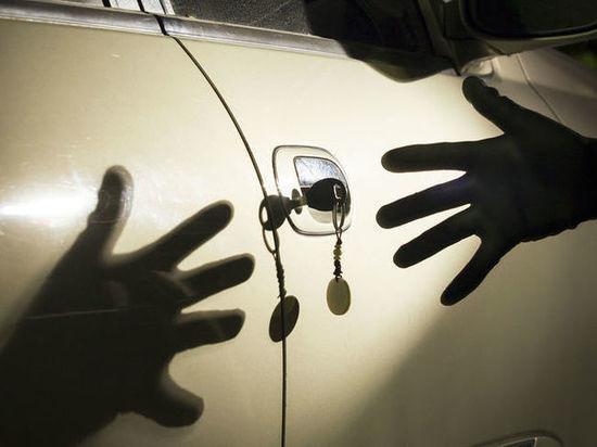 В Советске охранник здания помешал угонщику похитить автомобиль