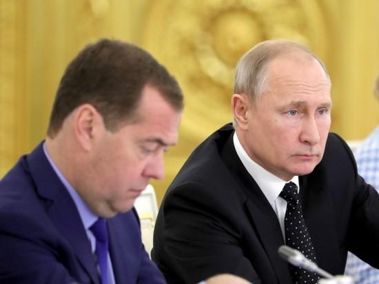 Путин разругал кромешную темень на российских дорогах