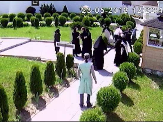 За погром в женском монастыре в Славском районе дебошир получил условный срок