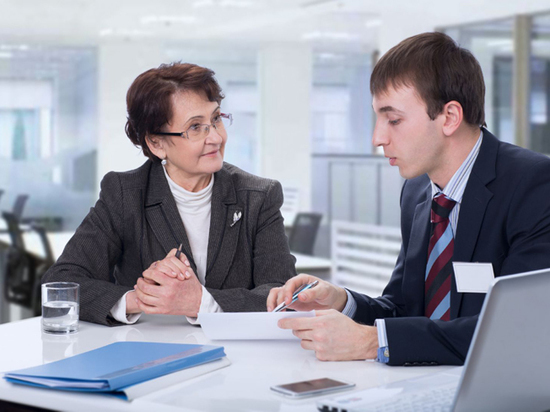 Эксперт объяснил, почему немолодые сотрудники важны для компании