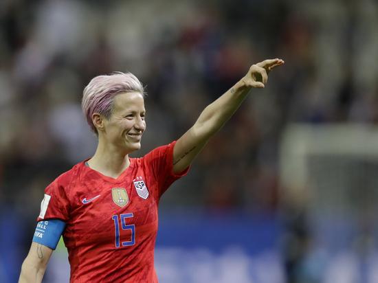 Вице-капитан сборной США по футболу Меган Рапино называет Трампа «сексистом» и «женоненавистником».