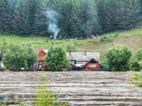 В Иркутской области паводок подтопил пять населённых пунктов