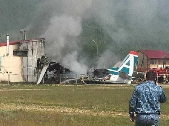 Причиной крушения Ан-24 в Бурятии назвали слетевшую с шасси резину