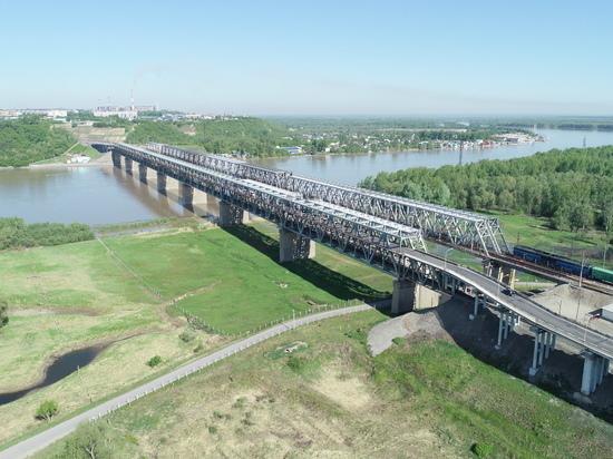 Почти весь июль Старый мост в Барнауле будут перекрывать на ночь для автомобилей