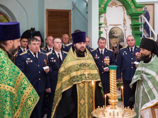 Омским десантникам подарили иконы