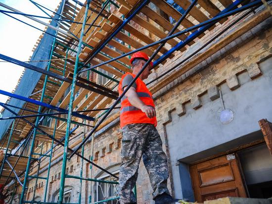 В Волгограде реставрируют 100-летнее здание