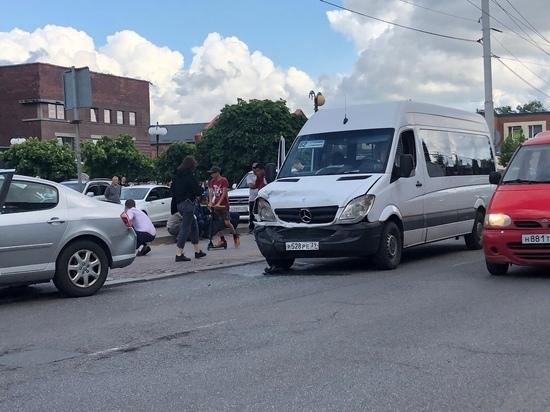 В Калининграде в ДТП пострадали пассажиры маршрутного такси