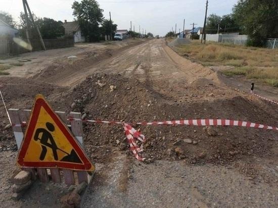В калмыцком поселке приступили к ремонту дорог
