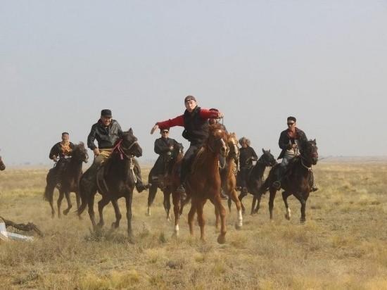 Участники калмыцкого конного похода продолжают свой путь