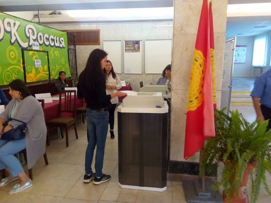 Более сотни избирательных участков начали свою работу в Серпухове