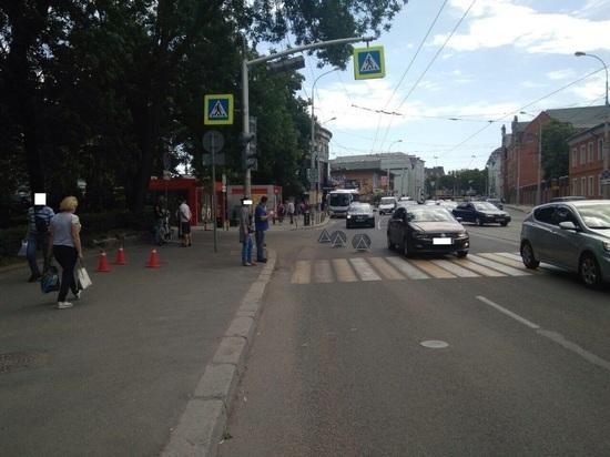 В центре Калининграда на 14-летнюю школьницу упал велосипед