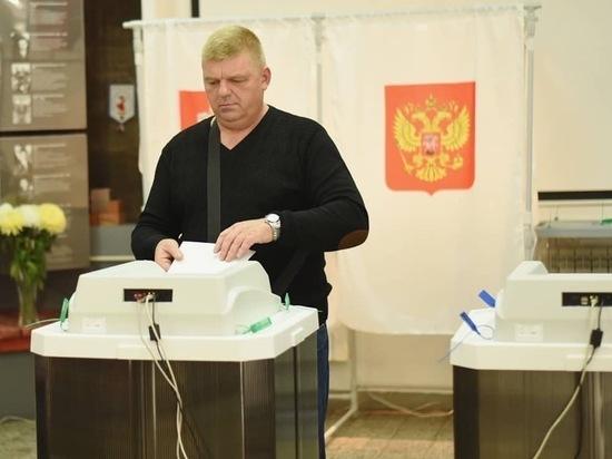 За час до закрытия на избирательные участки Серпухова подтянулись дачники