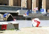 Протесты в Тбилиси продолжаются: ночные и мирные