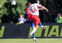 Не успел стартовать новый сезон российской футбольной премьер-лиги, а московские клубы уже успели выяснить отношения