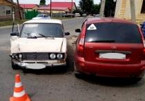 В Соль-Илецке подросток за рулем сломал 45-летней женщине нос