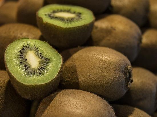 Почти 40 тонн киви и манго с щитовкой завезли в Забайкалье