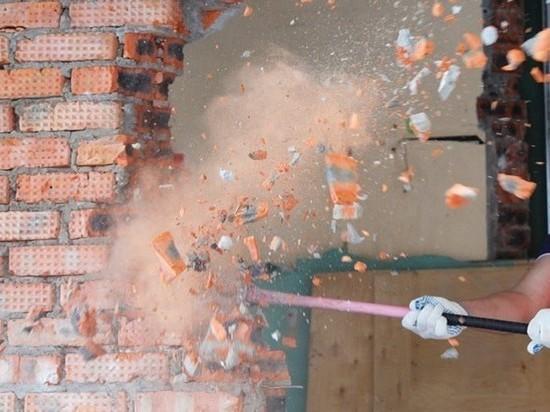 Житель Калининградской области разобрал кирпичную стену чтобы обокрасть соседку