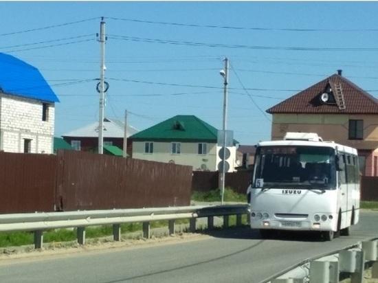 По салехардскому микрорайону Удача поехали автобусы