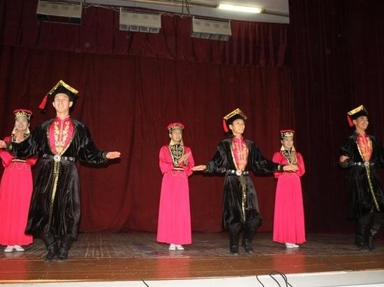 Юные калмыцкие артисты участвуют в фестивале «Горцы»