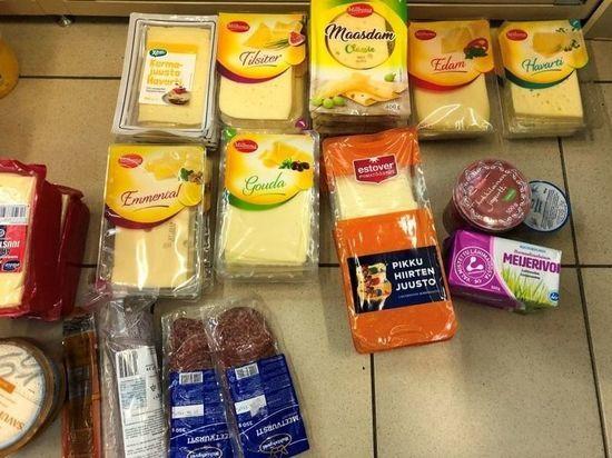За месяц у туристов на границе забрали полтонны деликатесной «санкционки»