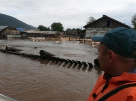 Число жертв наводнения в Иркутской области выросло до 18 человек