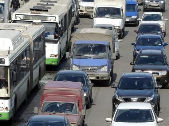 Хулиганы распылили газ в лицо водителю автобуса в Москве