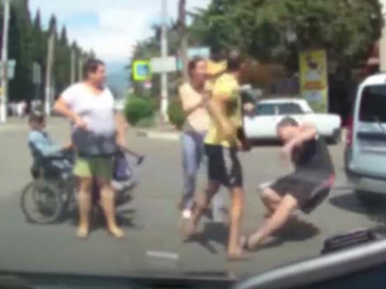 Инвалид-колясочник стал причиной массовой драки в Крыму
