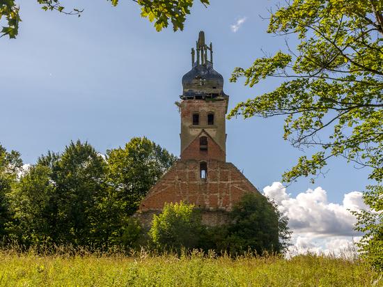 Кирха Попелькена – руины в Высоком