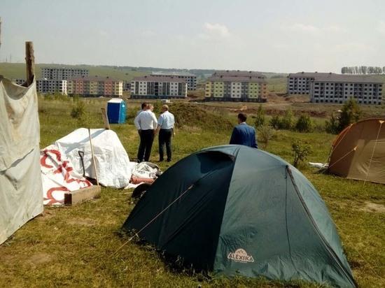 Дольщики «Новинки Smart City» сворачивают протестный палаточный городок