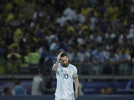 Бело-голубые уступили в полуфинале Кубка Америки бразильцам и вновь остались без титула