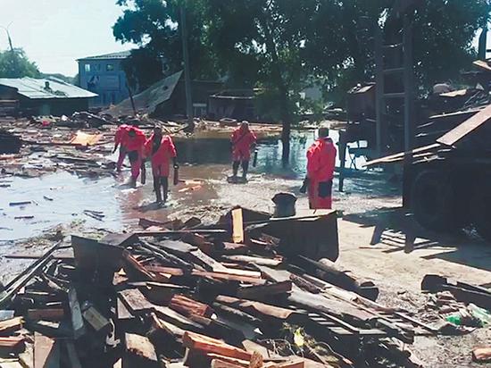 «Покрывало и булка хлеба»: жертвы иркутского наводнения остались без компенсаций
