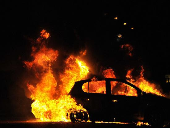 В Калининграде минувшей ночью сгорел автомобиль