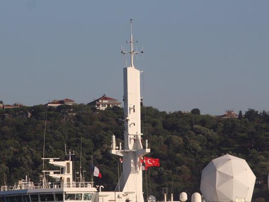Французский корабль-разведчик вошел в Черное море