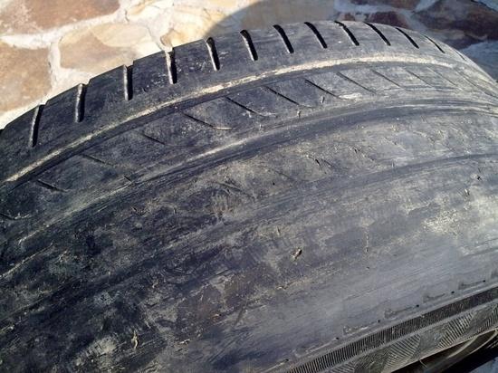 В Белореченске будут судить ИП-шника, сдавшего в аренду такси с «лысой» резиной: пассажир погиб