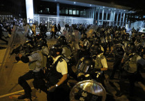 Продолжающиеся уже несколько недель акции протеста в Гонконге перемещаются понемногу в дипломатическую сферу