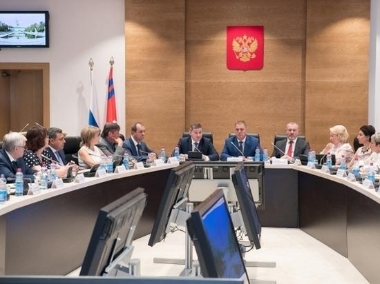 Андрей Бочаров подвел итоги совместной работы с облдумой V созыва