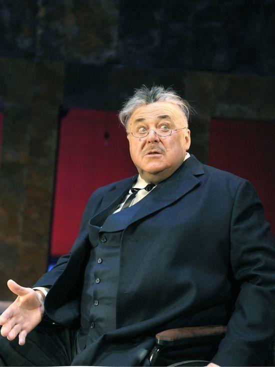 Всего 2 дня! Неповторимый и легендарный Александр Калягин в спектакле «РЕВИЗОР. ВЕРСИЯ»