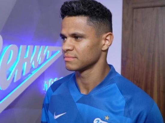 """Бразилец Дуглас Сантос никогда не проявлял себя на серьезном уровне, однако """"Зенит"""" рассчитывает на него в Лиге чемпионов"""