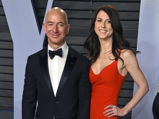 22-е место врейтинге миллиардеров заняла бывшая супруга  Безоса после развода