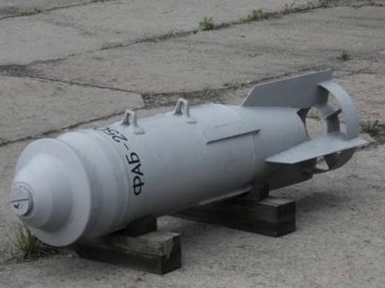 В Калининграде на улице Суздальской обнаружили авиабомбу времён ВОВ