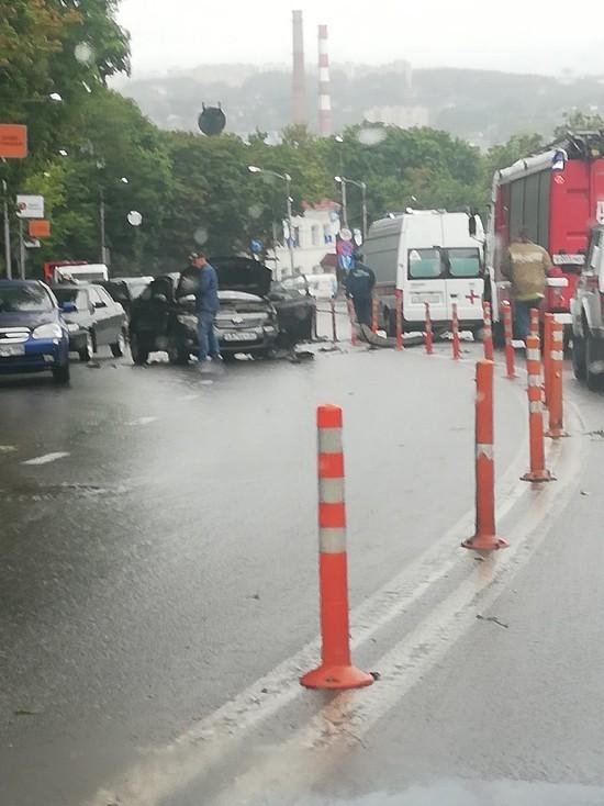 В центре Смоленска произошло серьезное ДТП