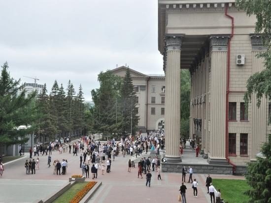 Десятки выпускников СГУПС получили по два диплома