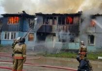 Жилой дом в Ноябрьске тушили 22 человека