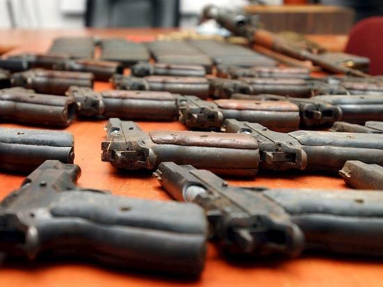 В Калининградской области инспектор Росгвардии торговал оружием