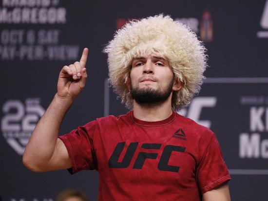 В Лас-Вегасе на турнире UFC произошел конфликт между чемпионом в легком весе Хабибом Нурмагомедовым и американцем Нэйтом Диасом.