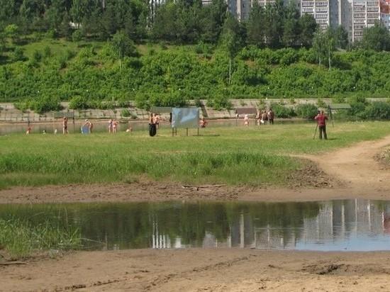 В Кирове открыт городской пляж, но купаться не рекомендуют